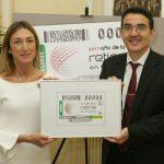 La-doctora-Marta-S.-Figueroa-y-Andrés-Ramos--